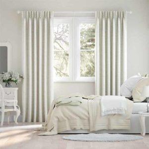 Rèm vải cửa sổ màu kem cho phòng ngủ