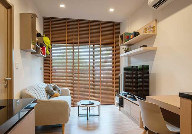 Rèm gỗ phòng khách căn hộ Quận 7