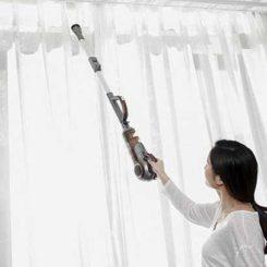 Mẹo hay tự vệ sinh rèm vải tại nhà đơn giản